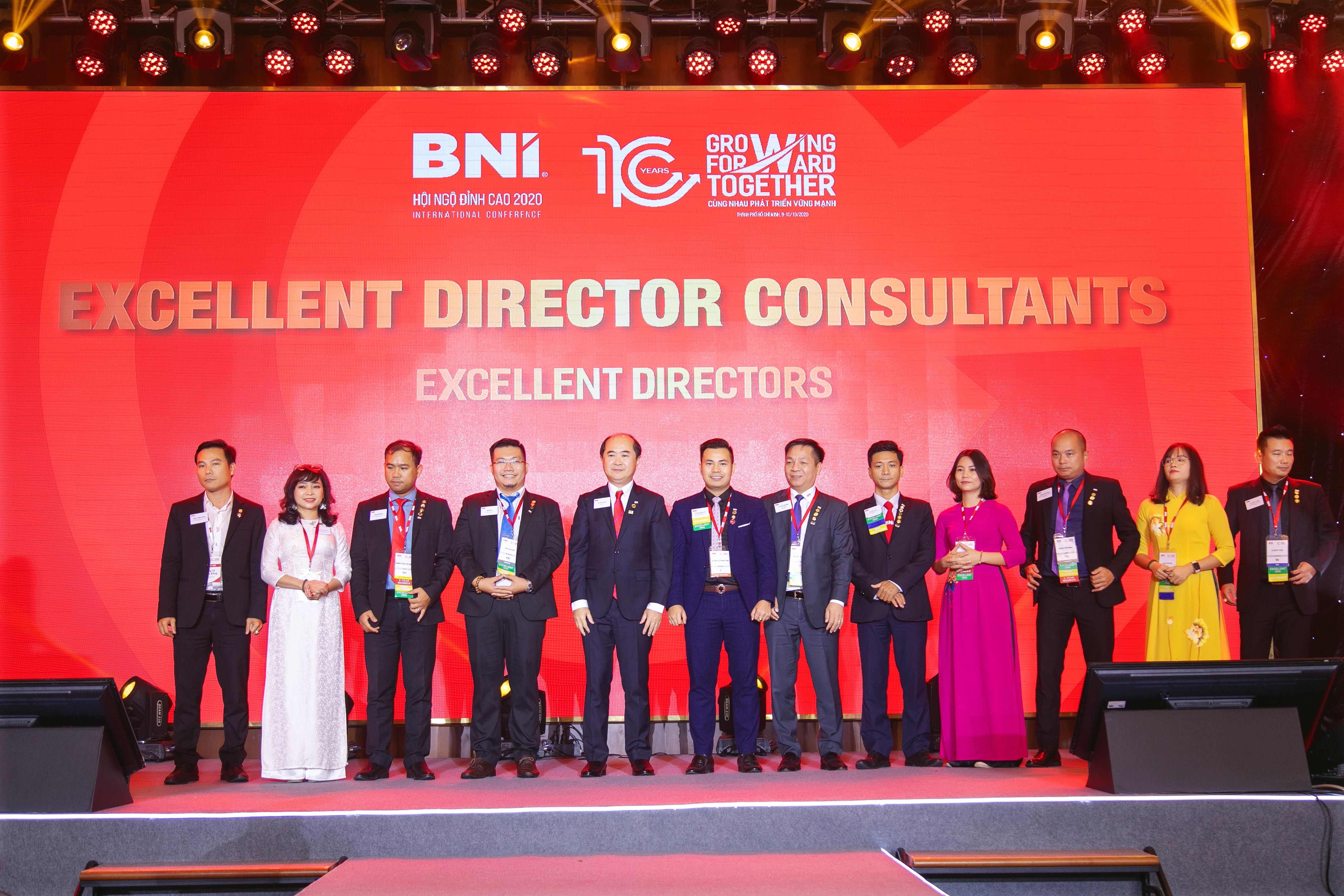 Execellent-Director-Consultant